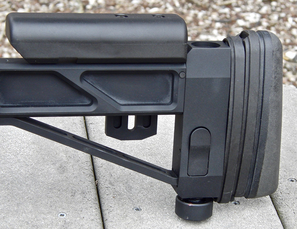 SSG 08's folding stock allows adjustments to tailor it to the shooter. Monopod is very useful if sniper has to stay on target for an extended period.