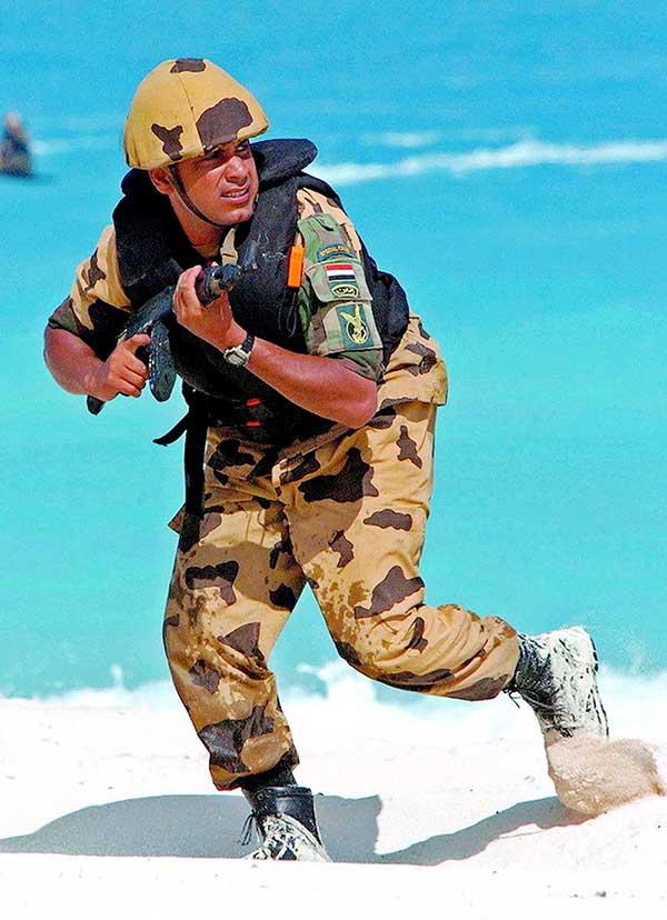 Member of Egypt's Unit 777 counterterrorist unit armed with Maadi AK-47. Photo: Egyptian Army